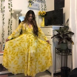 THE dress 💛